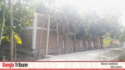 Modern jute godown being built on Bangabandhu's Khulna property