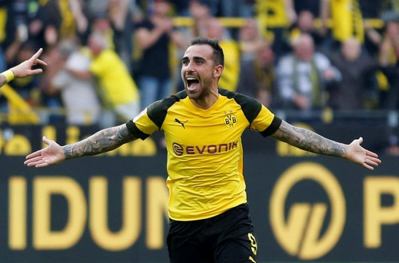 Borussia Dortmund`s Paco Alcacer celebrates scoring their fourth goal against FC Augsburg at Signal Iduna Park, Dortmund, Germany on Oct 6, 2018. REUTERS