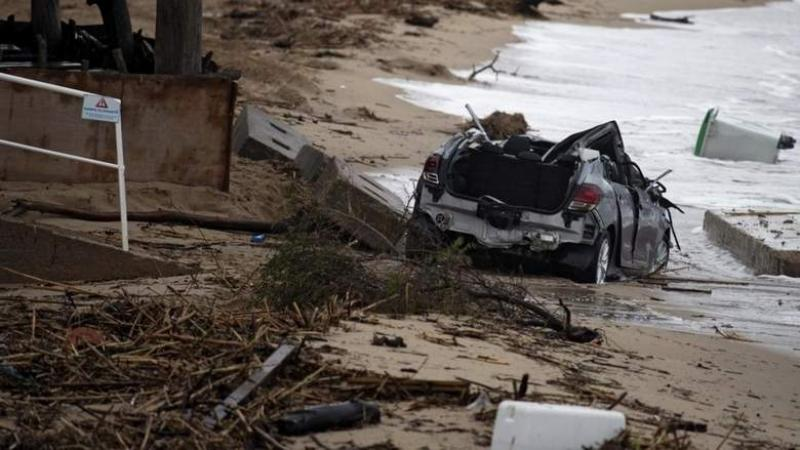 Flash floods kill At least 6 in France, waters rising