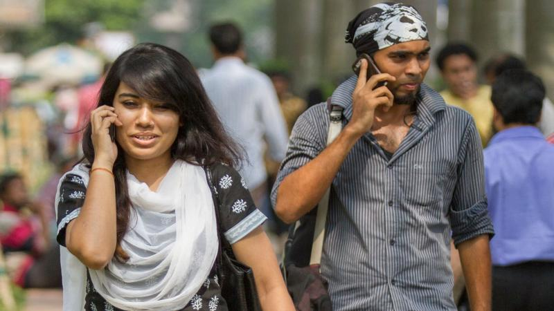 HC ban on mobile call rate hike, call drop charges