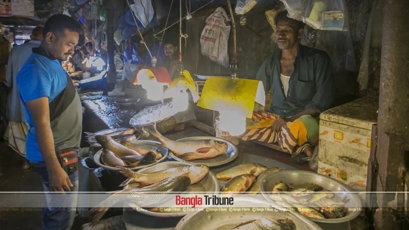 This July 2018 photo shows a general view of a kitchen market in Dhaka's Mohammadpur. BANGLA TRIBUNE/Sazzad Hossain