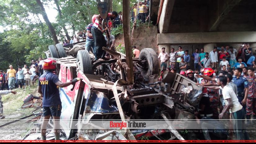 Six people have been killed and four injured after a bus broke through the railing of a bridge and fell into a ditch at Faridpur on Saturday (Aug 24) afternoon.