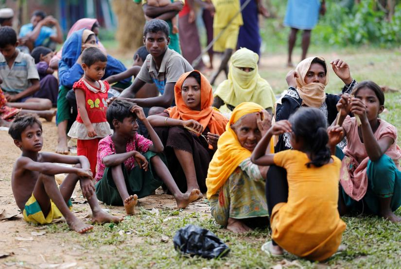 New Rohingya refugees wait to enter the Kutupalang makeshift refugee camp, in Cox's Bazar, Bangladesh, August 30, 2017. REUTERS/File Photo